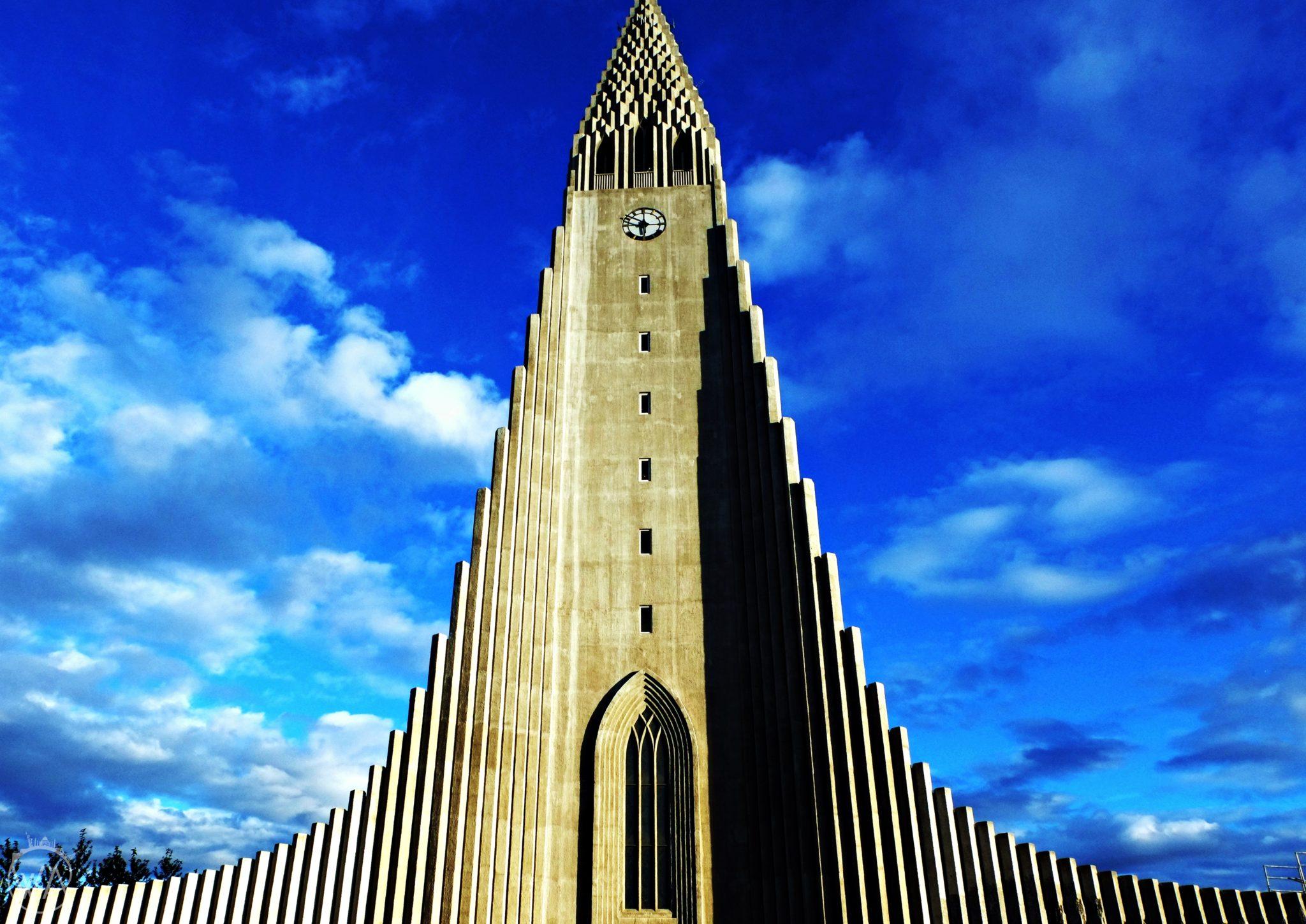 Widok na kościół Hallgrímskirkja, Reykjavik