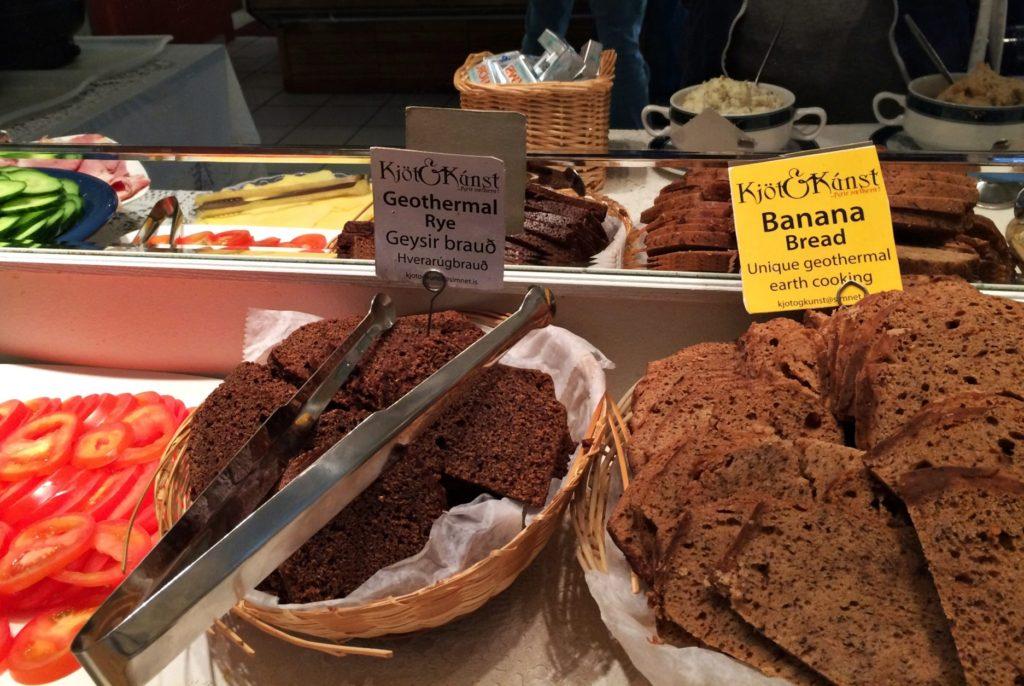 Kuchnia islandzka Islandia jedzenie - Geothermal buffet
