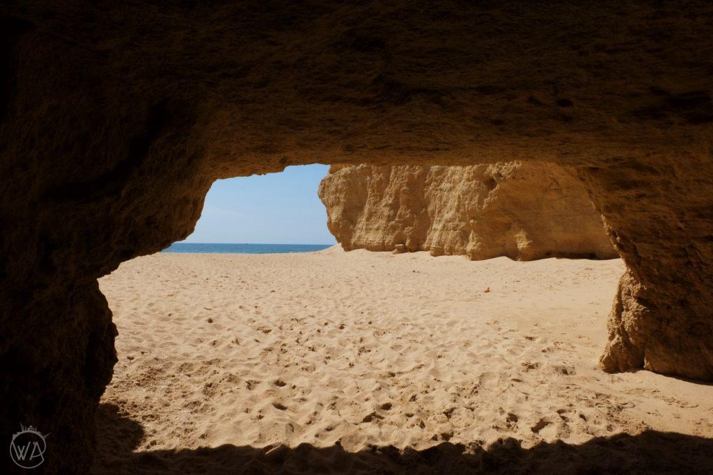 Cave in Praia da Rocha