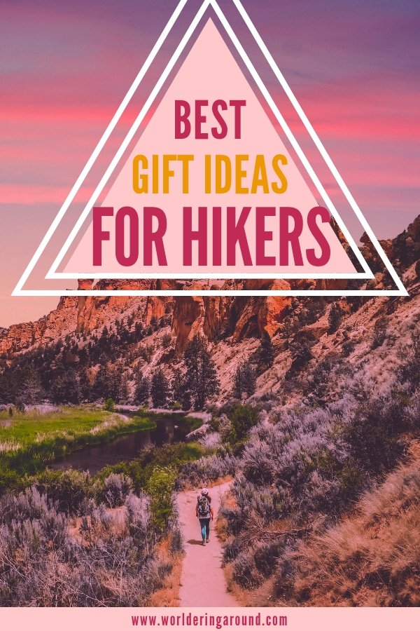 Best gifts for hikers and mountain lovers. Find out the top gift ideas for campers, hikers and nature enthusiasts. Outdoor gifts that hikers will actually need! | Worldering around #outdoors #hikers #hiking #camping #nature #giftguide #outdoorgifts