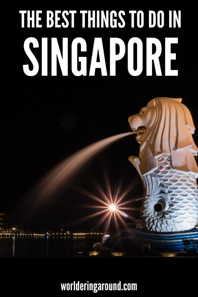 The best things to do in Singapore in a day. Singapore travel tips, best Singapore photography spots, where to drink Singapore Sling, what Singapore Food to have and where, what to wear in Singapore, Singapore noodles, Singapore shopping, Sentosa island, Gardens by the Bay Singapore, Singapore Attractions | #singapore #travel #Asia #SEA