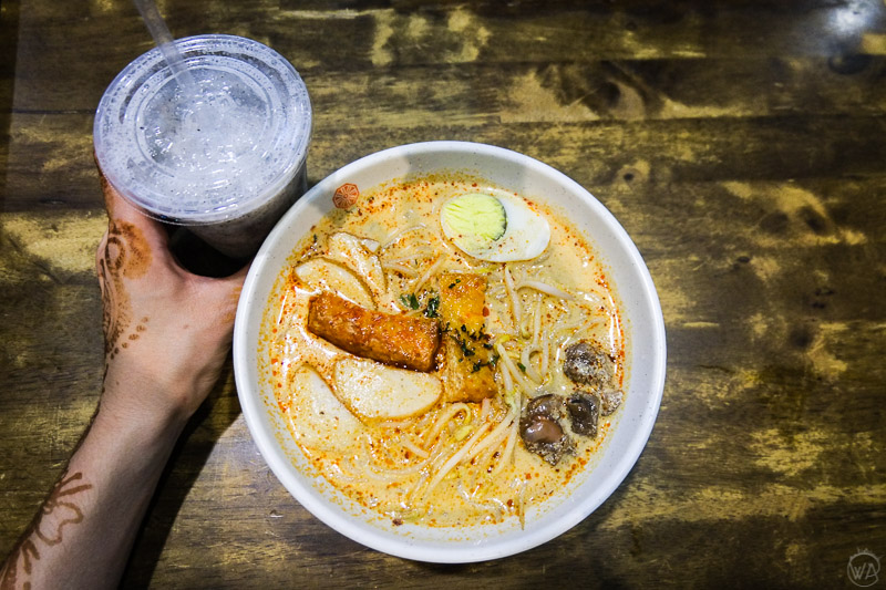 Laksa soup, visit hawker centre, Singapore in 24 hours - Top places to see in singapore in a day