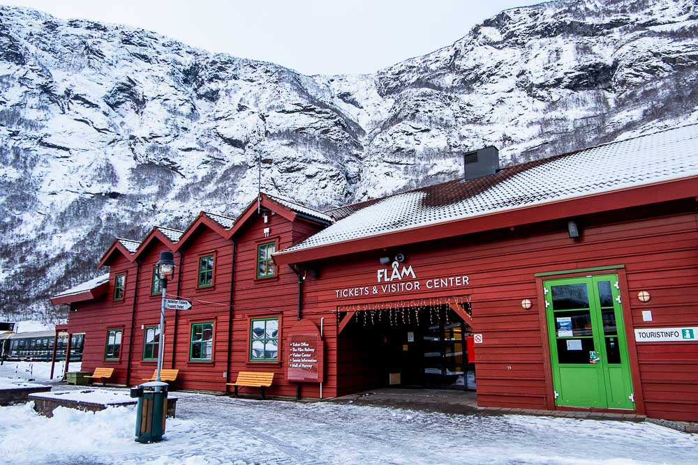 Flam railway station, Flåmsbana in winter