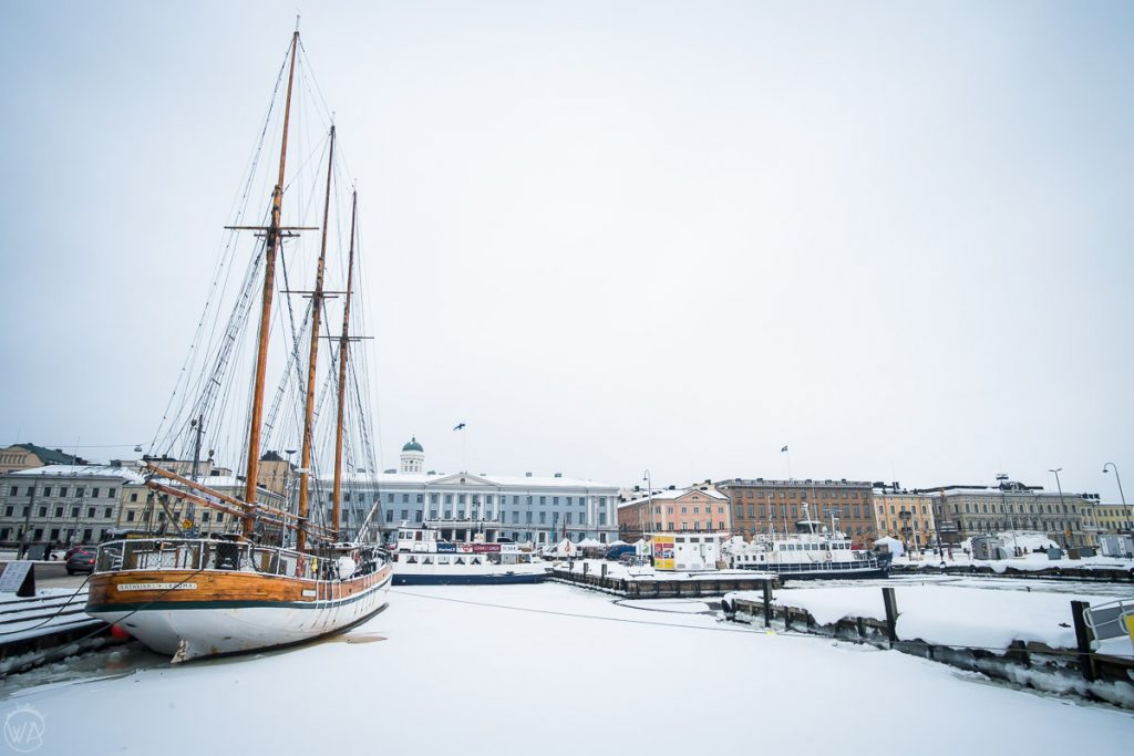 Outdoor Helsinki market, what to do in Helsinki in winter Finland