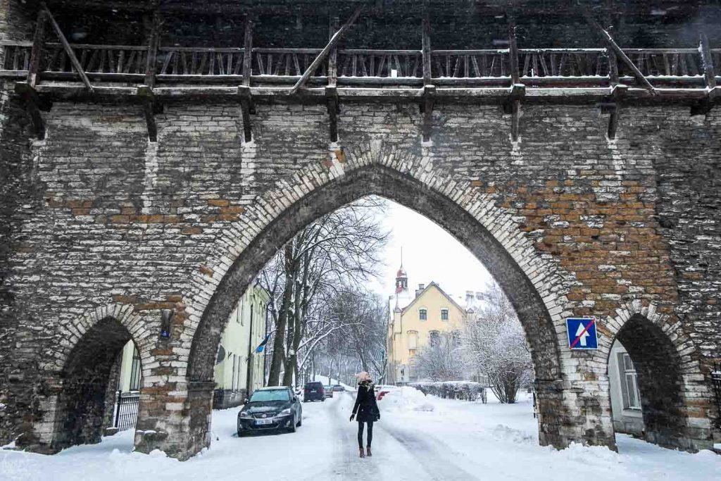 Old tow walls Tallinn, Tallinn sightseeing winter things to do in Tallinn in winter
