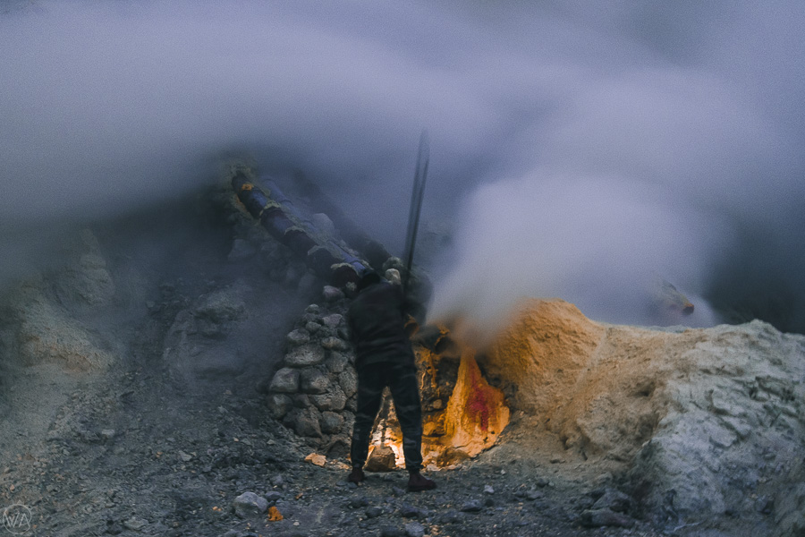 Sulfur miner in Ijen crater