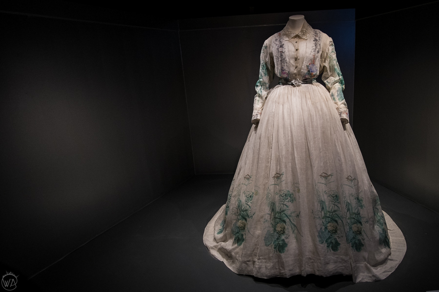Places to visit in Bath in a day - Fashion Museum display