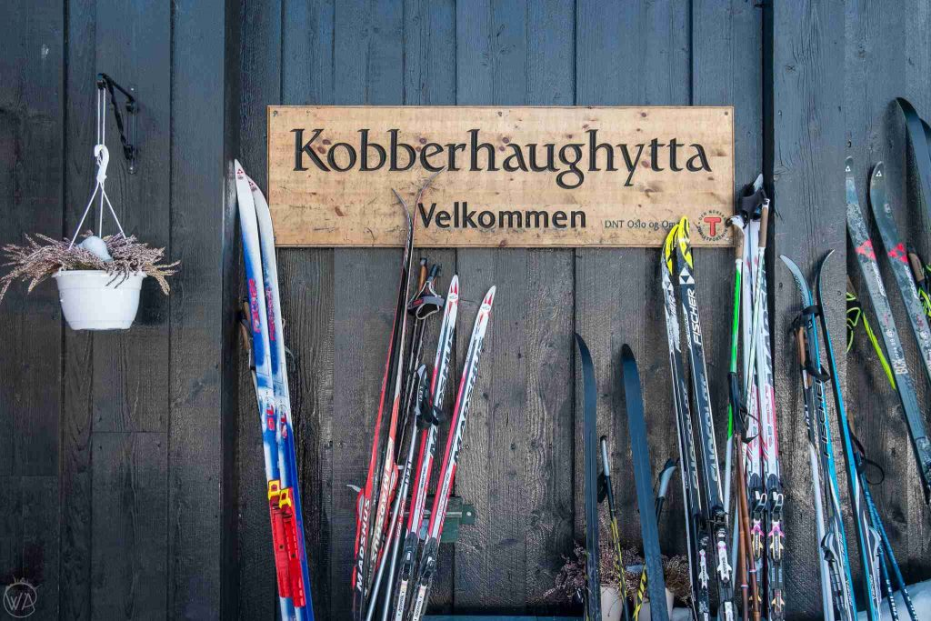 Thing to do in Oslo in winter - skis in the mountain cabin