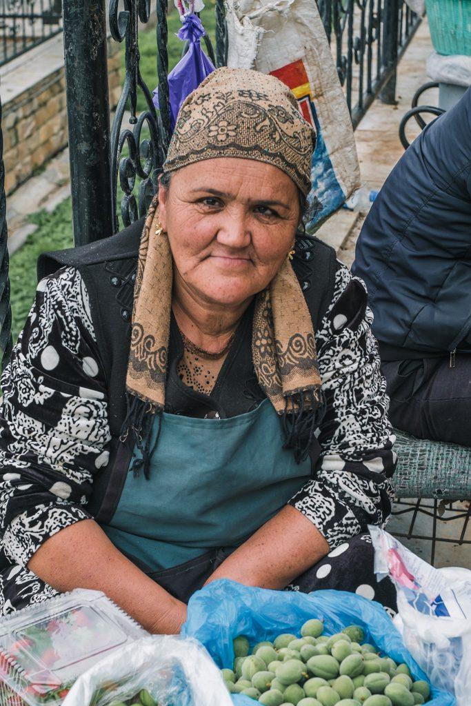 Uzbek lady at Siab Bazaar, Samarkand, Uzbekistan