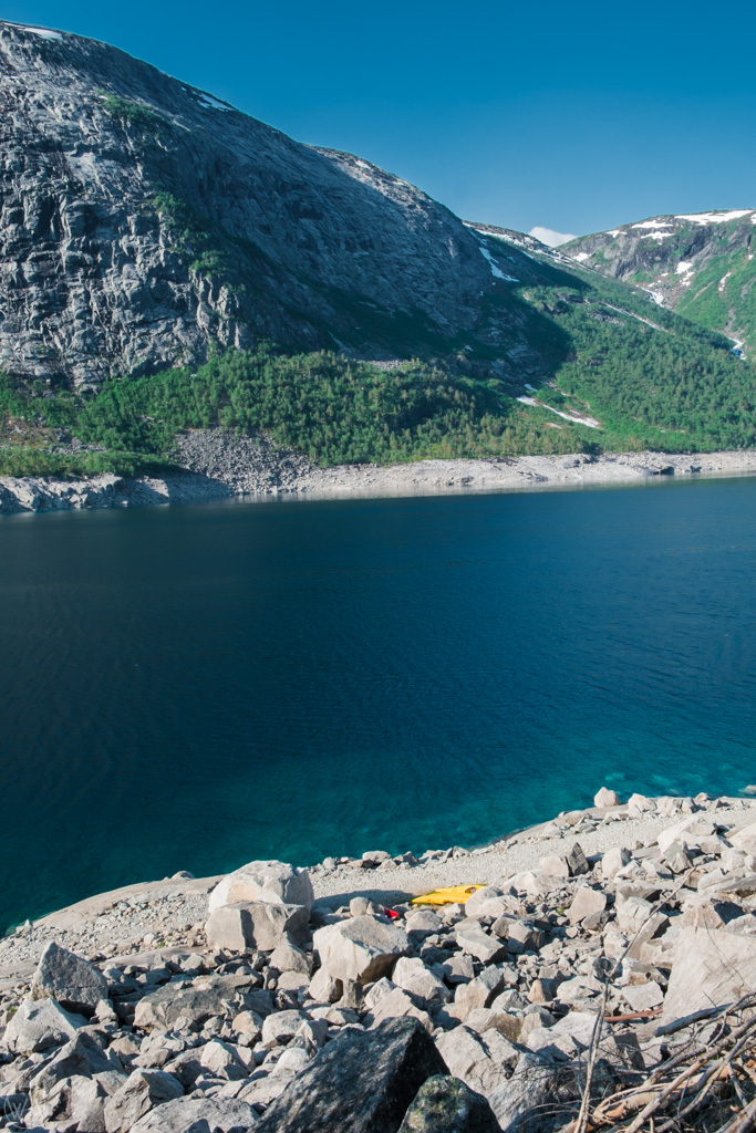 Walking by the lake to the beginning of Trolltunga via Ferrata