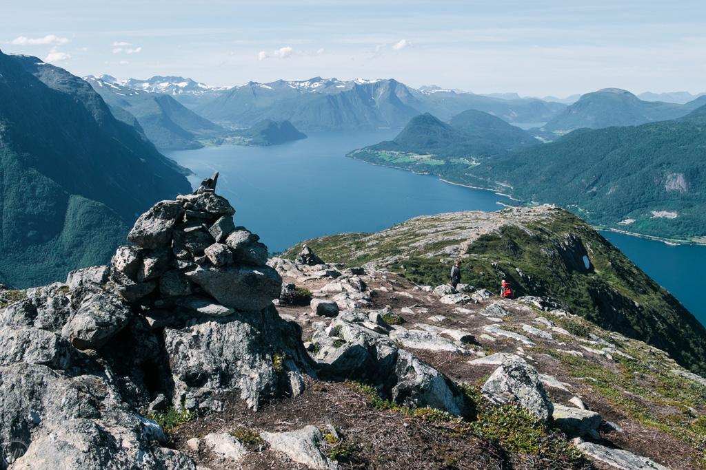 Romsdalseggen Ridge descent