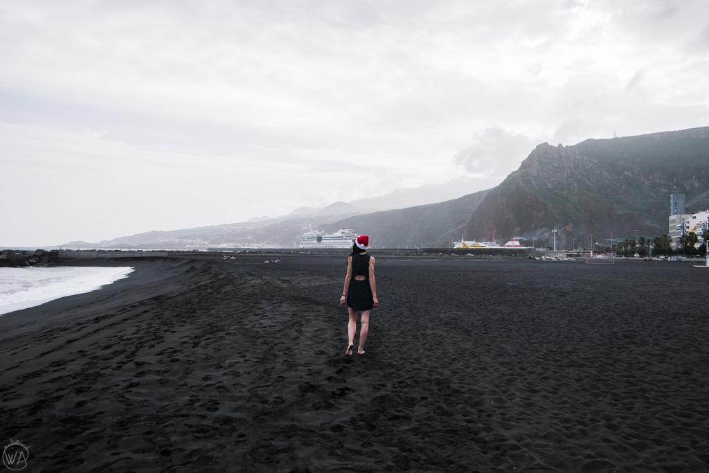 La Palma black beach