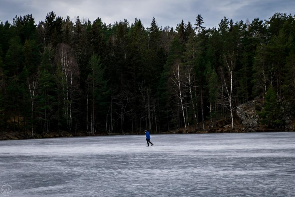 Ice skating on Noklevannet