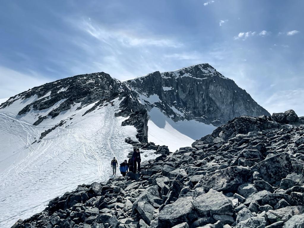 Hike to the top of Galdhopiggen