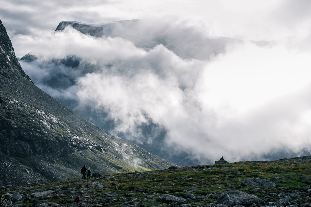 Droga w chmurach na Stabbeskaret