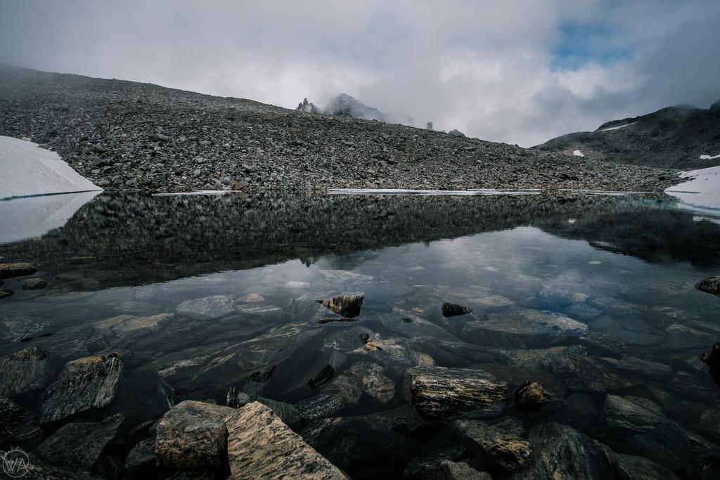 Jeziora przy szlaku na Stabbeskaret, Ściana Trolli, Norwegia