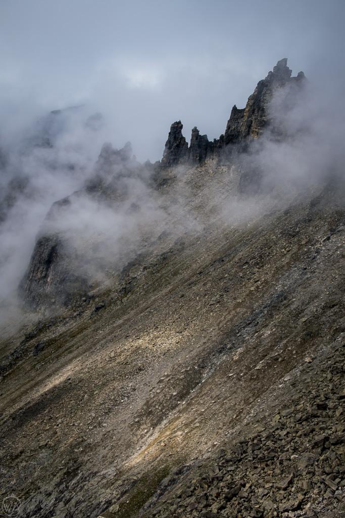Ściana Trolli wśród chmur, Norwegia